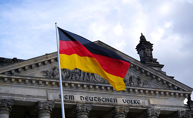 Il Tempo e la Lingua-Evoluzione e mutamenti della lingua tedesca durante il Nazionalsocialismo