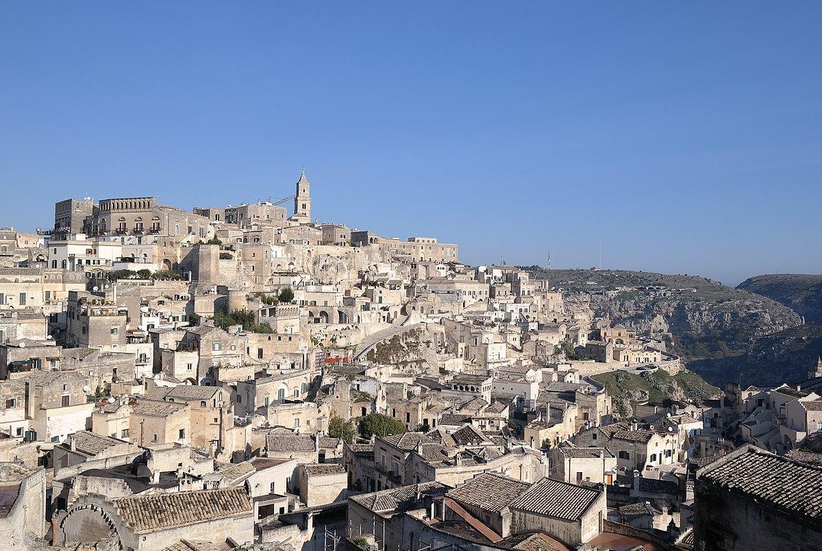 I dialetti d'Italia, tra frazionismo linguistico e discriminazione valoriale