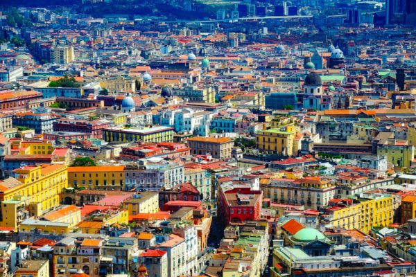 L'influenza della lingua spagnola nei dialetti napoletano e caposelese
