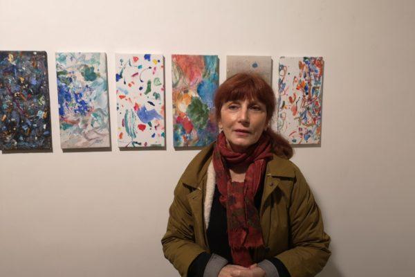 Arte come processo seriale: la pittura di Claudie Laks e la dinamica dell'attesa indefinita