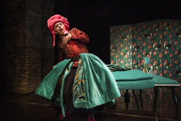 Tutto sua madre, debutta al Teatro Quirino